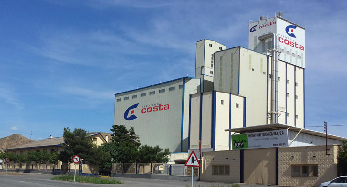 Fábricas de Pienso en Zaragoza (Aragón) y Lleida